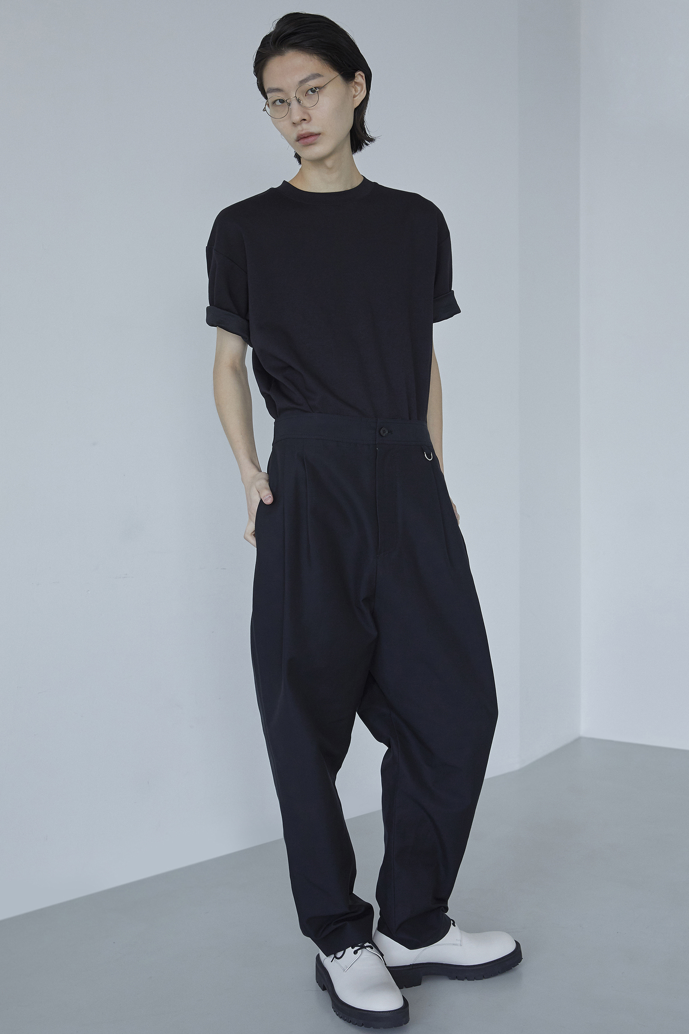 P015 / 80s Black high rise maxi pants