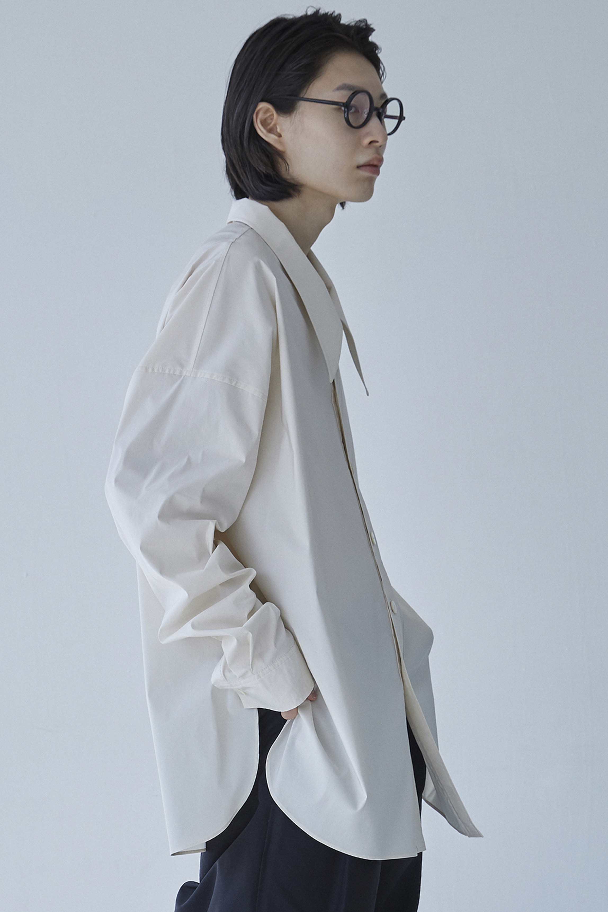 S008 / Shirring Big Collar Over Cream Shirts