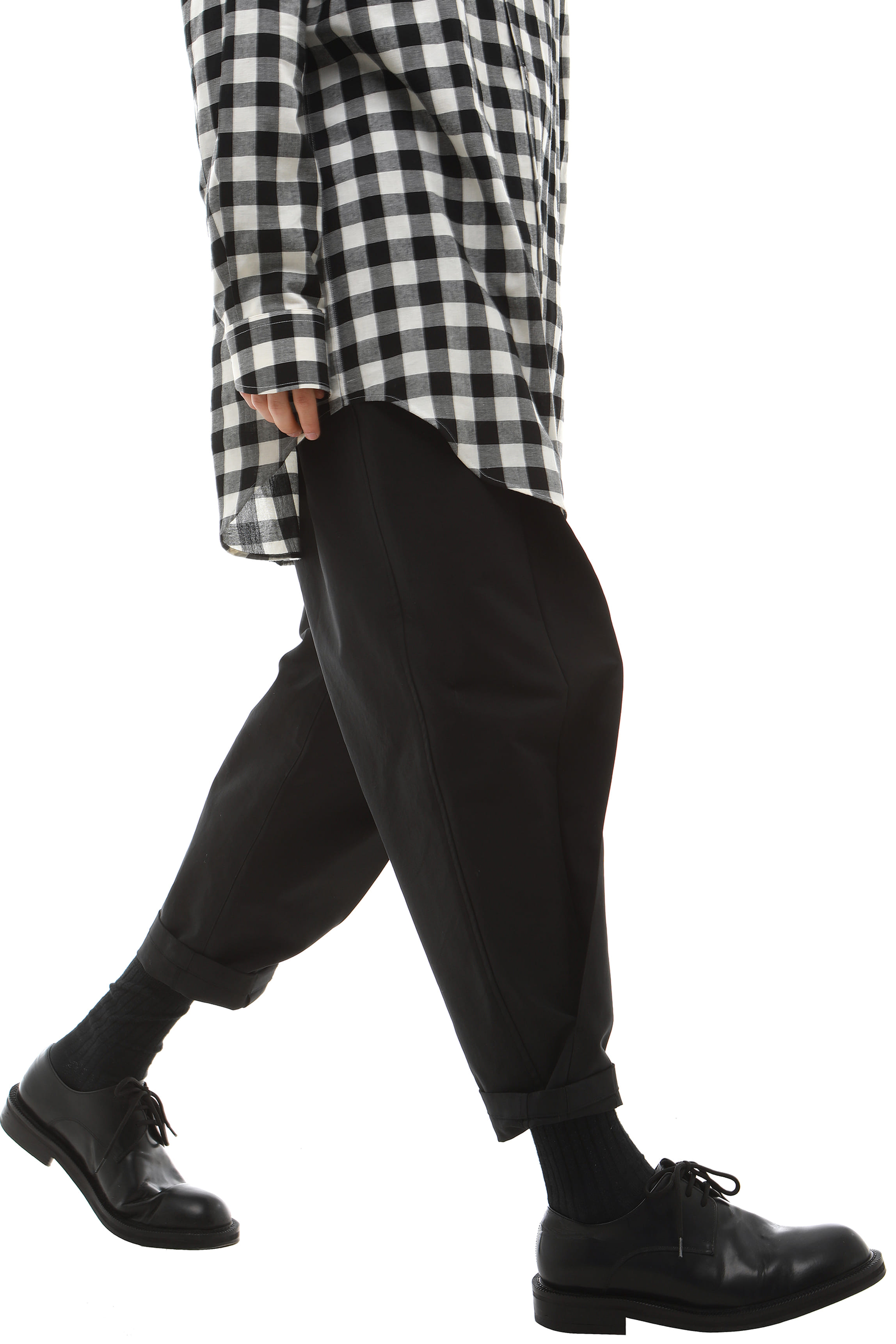 P014 / Structural Black Tapered Pants